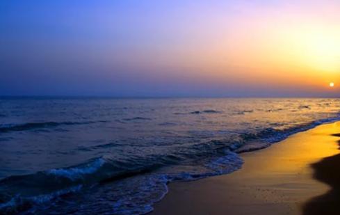 Hồn biển mang một tâm hồn thơ ca lạnh lẽ với khung cảnh đem nổi bật